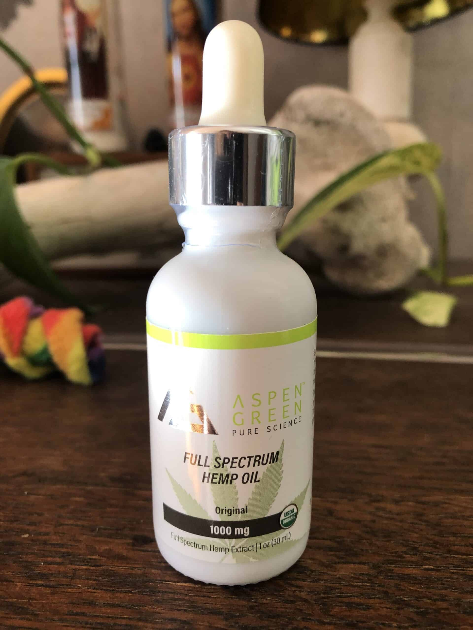 aspen green full spectrum hemp oil 1,000 mg save on cannabis beauty shot